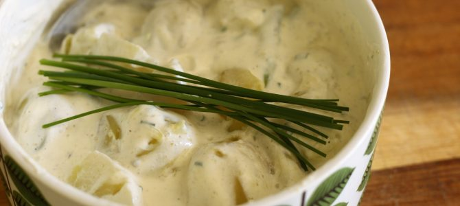 Potatissallad med sparris och chipotle